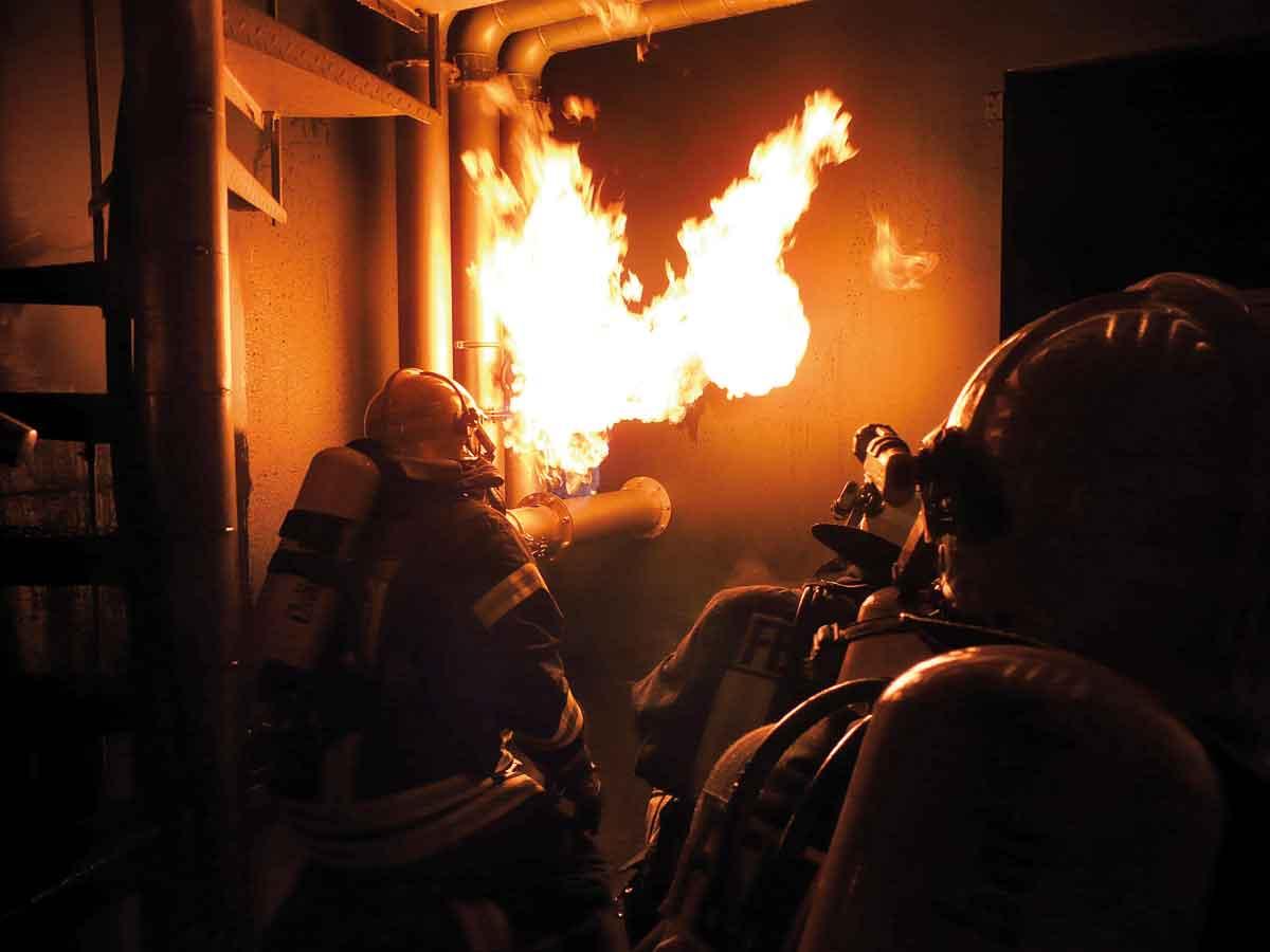 Flange-Fire--Flanschbrand-Kuwait